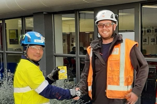 Ernesto receives Leading Safely Award